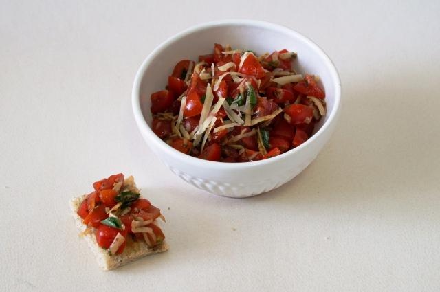 Tomate, manjericão e parmesão